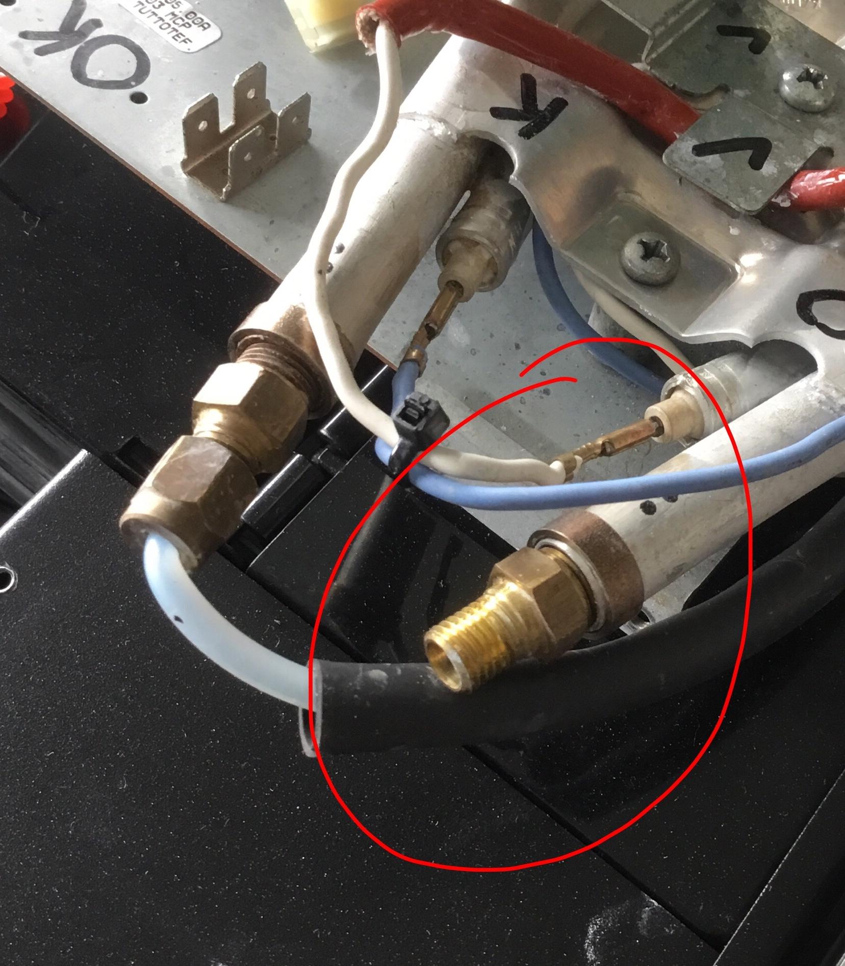 Miele CVA620 Dampfboiler wechseln - Druckschlauch entfernen und ...